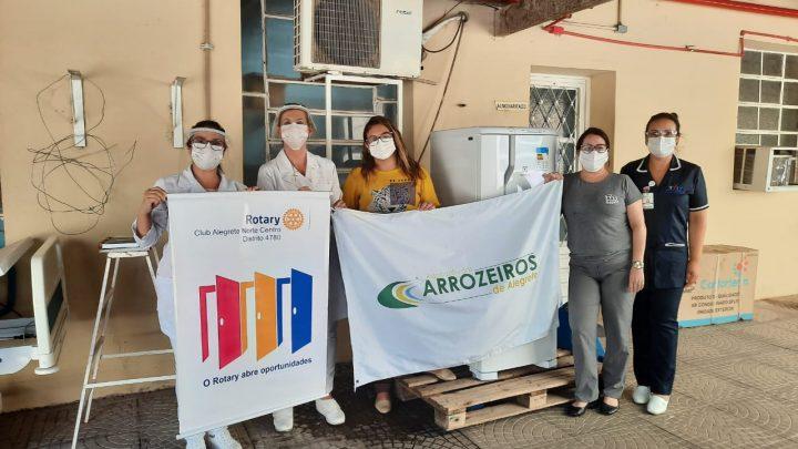 Associação dos Arrozeiros e Rotary Clube Alegrete Norte Centro fazem doação de uma geladeira a Santa Casa