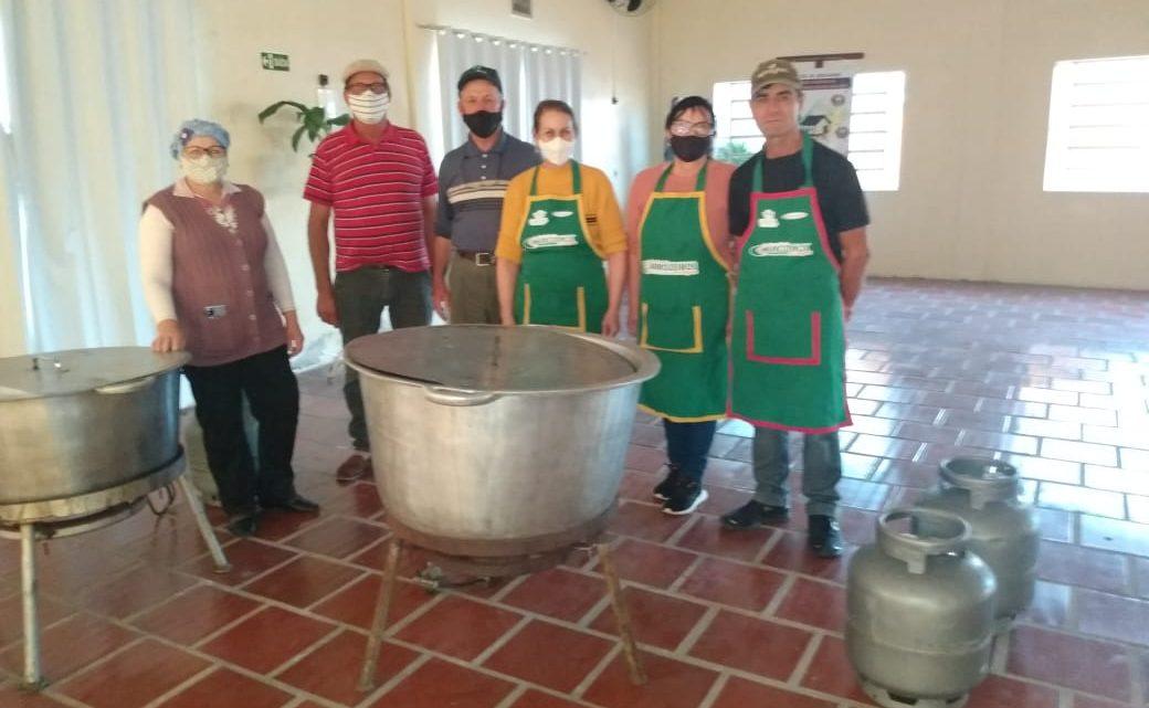 Panela Campeira elabora risoto italiano para a Paróquia São José