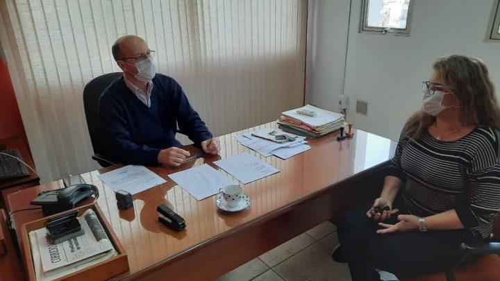 Fátima Marchezan participa de reunião com o Superintendente do DAER
